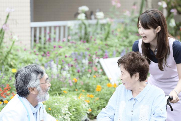 静岡市清水区の介護施設で介護福祉士の資格を活かして勤務できます。