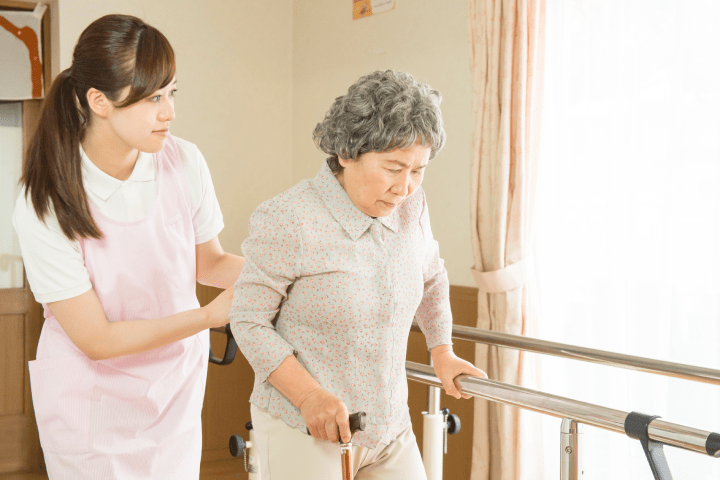 【岡山市北区】小規模多機能ホームでの介護職パート求人☆子育て中の方や年配の方も活躍しています☆